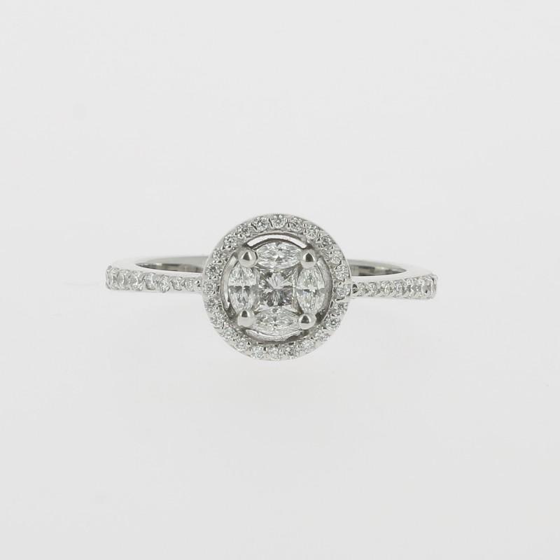 bague solitaire et diamants